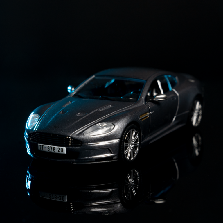 Read more about the article 001 – Der Aston Martin DBS